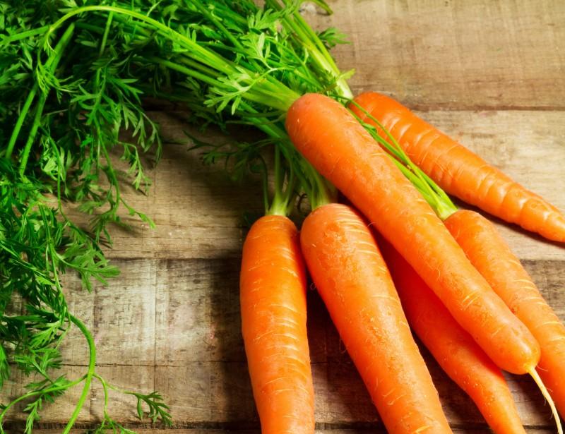 Zanahorias, verdura de temporada para disfrutar salada o dulce