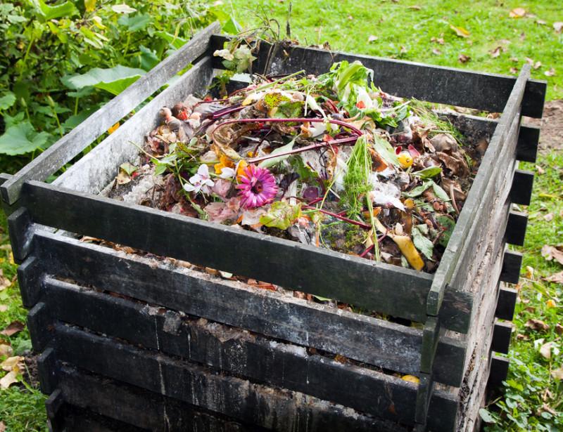 faire du composte maison À la campagne, comme à la ville, le compostage à portée de tous