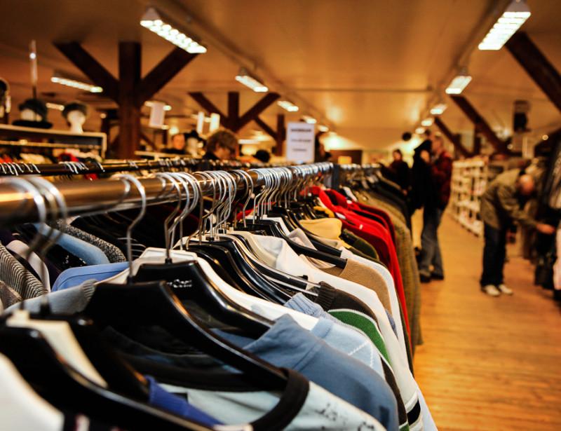 Cinq sites pour revendre (et donc recycler) les vêtements